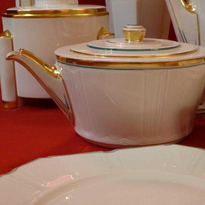 Der Freundeskreis kam zu Besuch - 30 Jahre - Sommerfest und Sammlerglück. Servicekomplex aus Kaffee-, Tee- und Tafelservice die Form Hertha - Freundeskreis Fürstenberger Porzellan e.V.